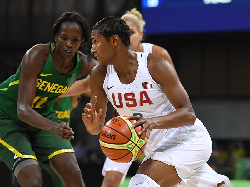 Angel McCoughtry scored 11 points and added five rebounds and four assists.