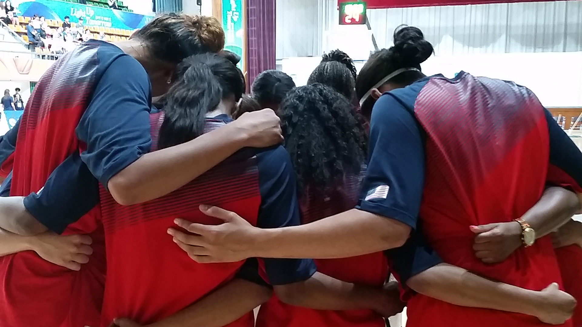 USA Women's Huddle
