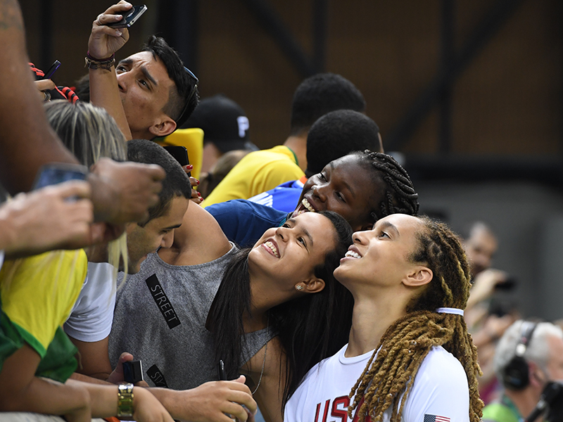 Brittney Griner made some fans happy at the end of the game when she joined in on a selfie.