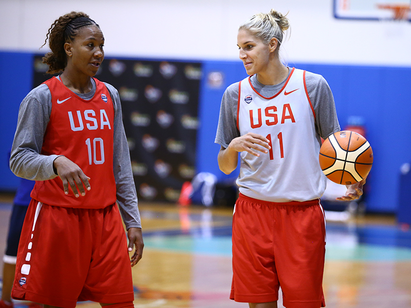 Tamika Catchings (Indiana Fever) and Elena Delle Donne (Chicago Sky)