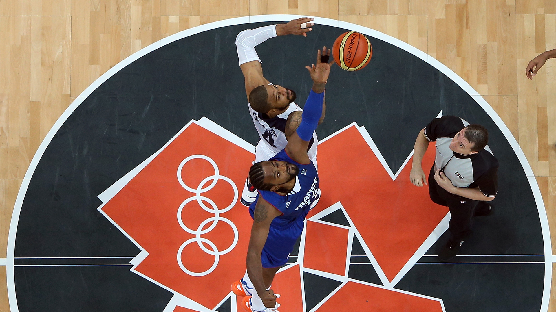 Tyson Chandler tip against France in the 2012 Olympics