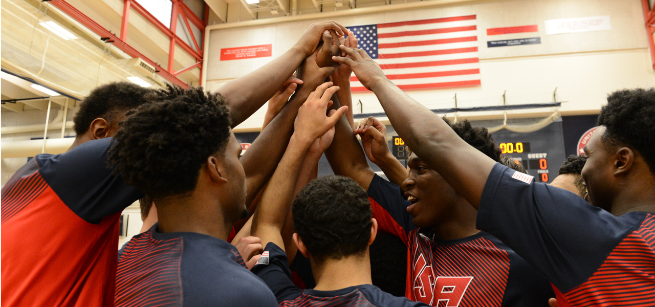 2014 USA Men's U18 National Team huddle