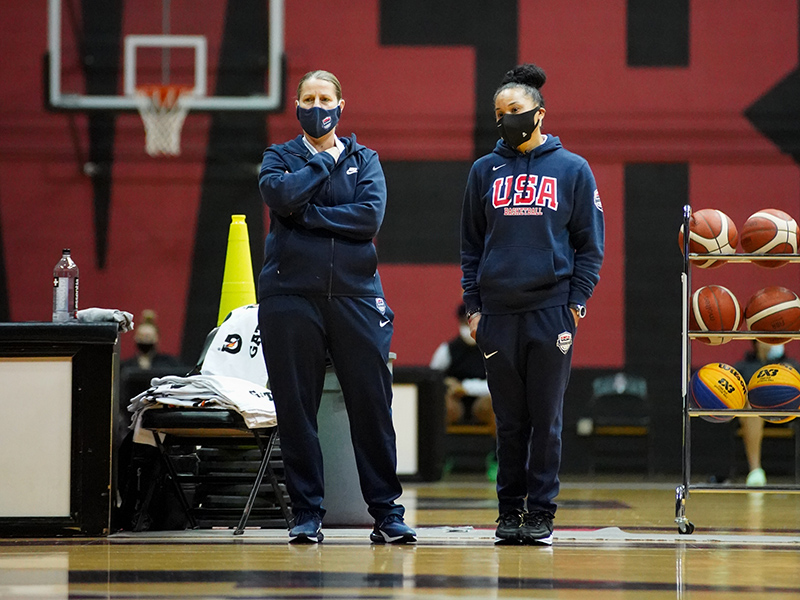USA assistant coach Cheryl Reeve (left) and head coach Dawn Staley.