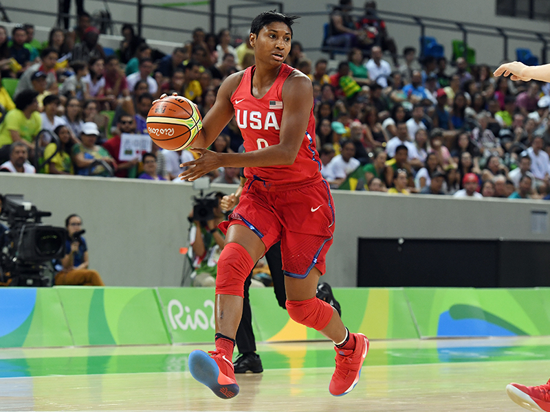 Angel McCoughtry had five points and three assists.