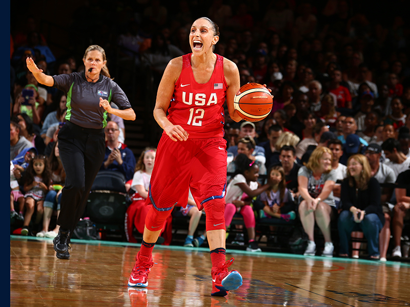 Diana Taurasi was on fire and finished with 20 points and three assists.