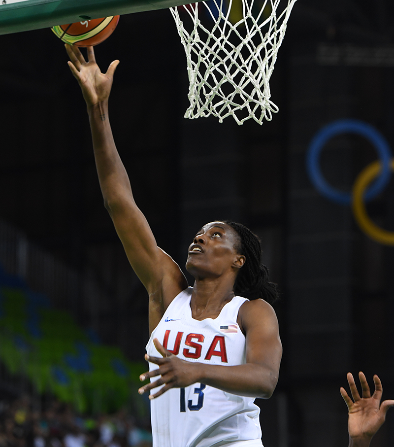 Sylvia Fowles scored 15 points and grabbed seven caroms.
