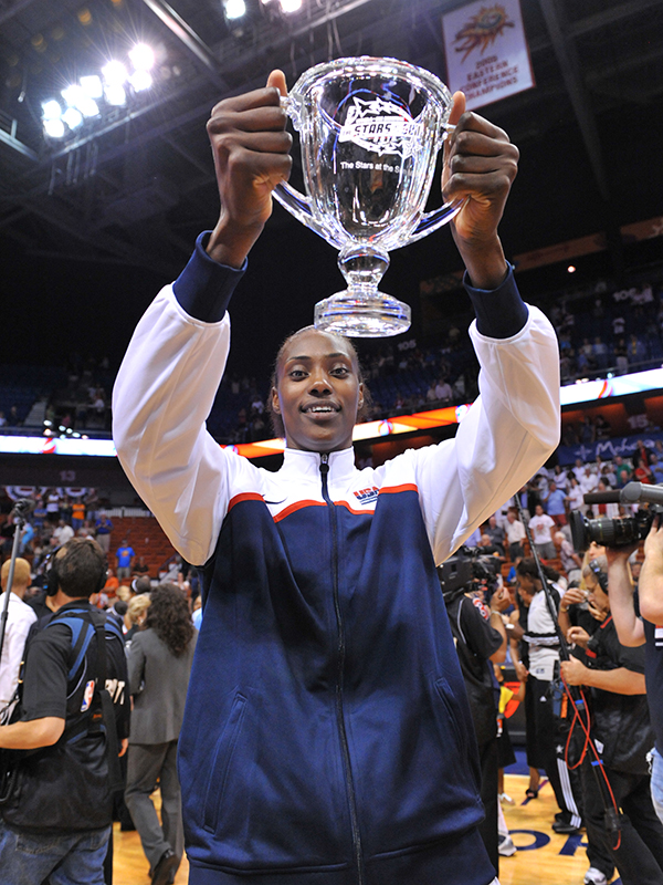 11 2010 stars at sun fowles mvp GettyImages 102795458jpg