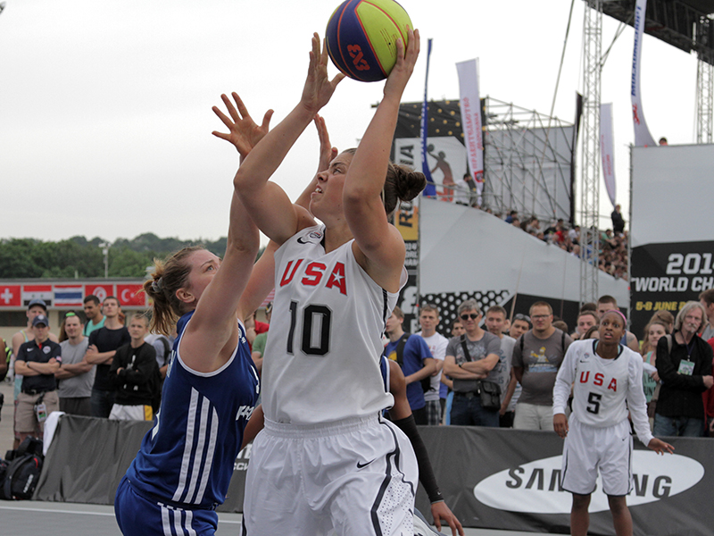 A member of the gold-medal winning 2014 USA 3x3 World Championship Team, Sara Hammond starred at the University of Louisville and played professionally in Germany in 2016-17.