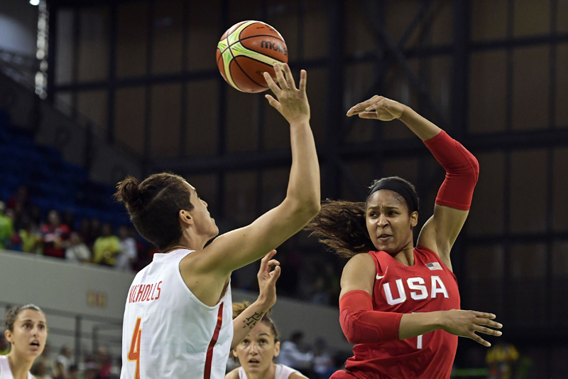 Maya Moore poured in eight points (4-of-10 field goals) to go with five rebounds and four assists.