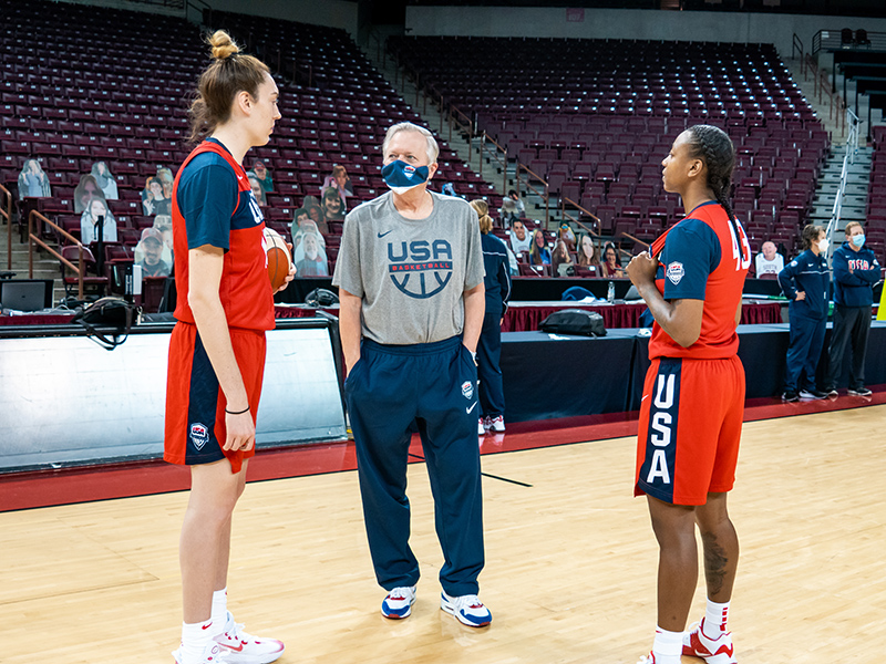 Members of the Seattle Storm Breanna Stewart (L-R), head coach Dan Hughes and Jewell Loyd, spent some time catching up ahead of practice.