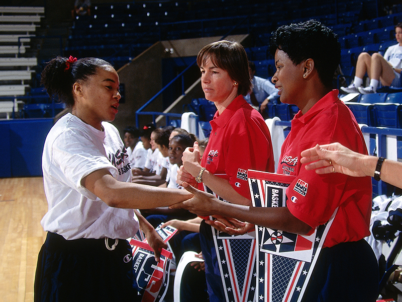 12 1995 96 wnt staley with coaches GettyImages 141717027jpg