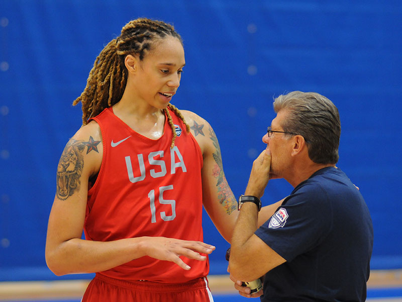 Brittney Griner and USA head coach Geno Auriemma chat during practice
