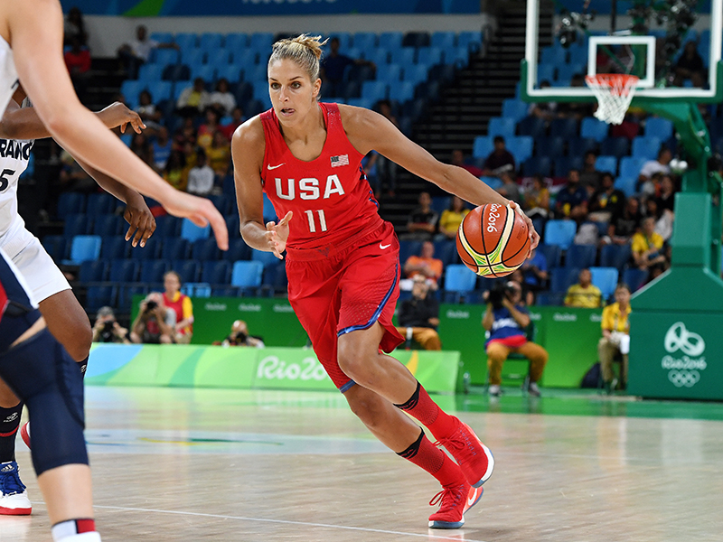 Elena Delle Donne scored five points and had a pair of boards.