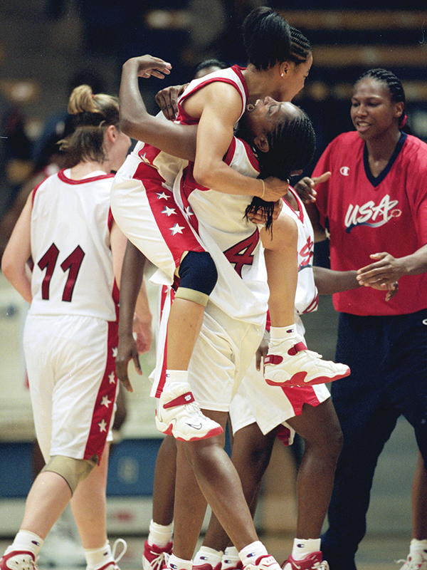 19 1999 us oly cup dawn staley and teresa edwards GettyImages 72442307jpg
