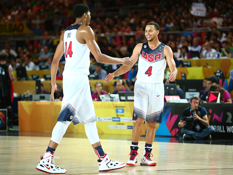 16 2014 mwc curry and davis GettyImages 454505904jpg