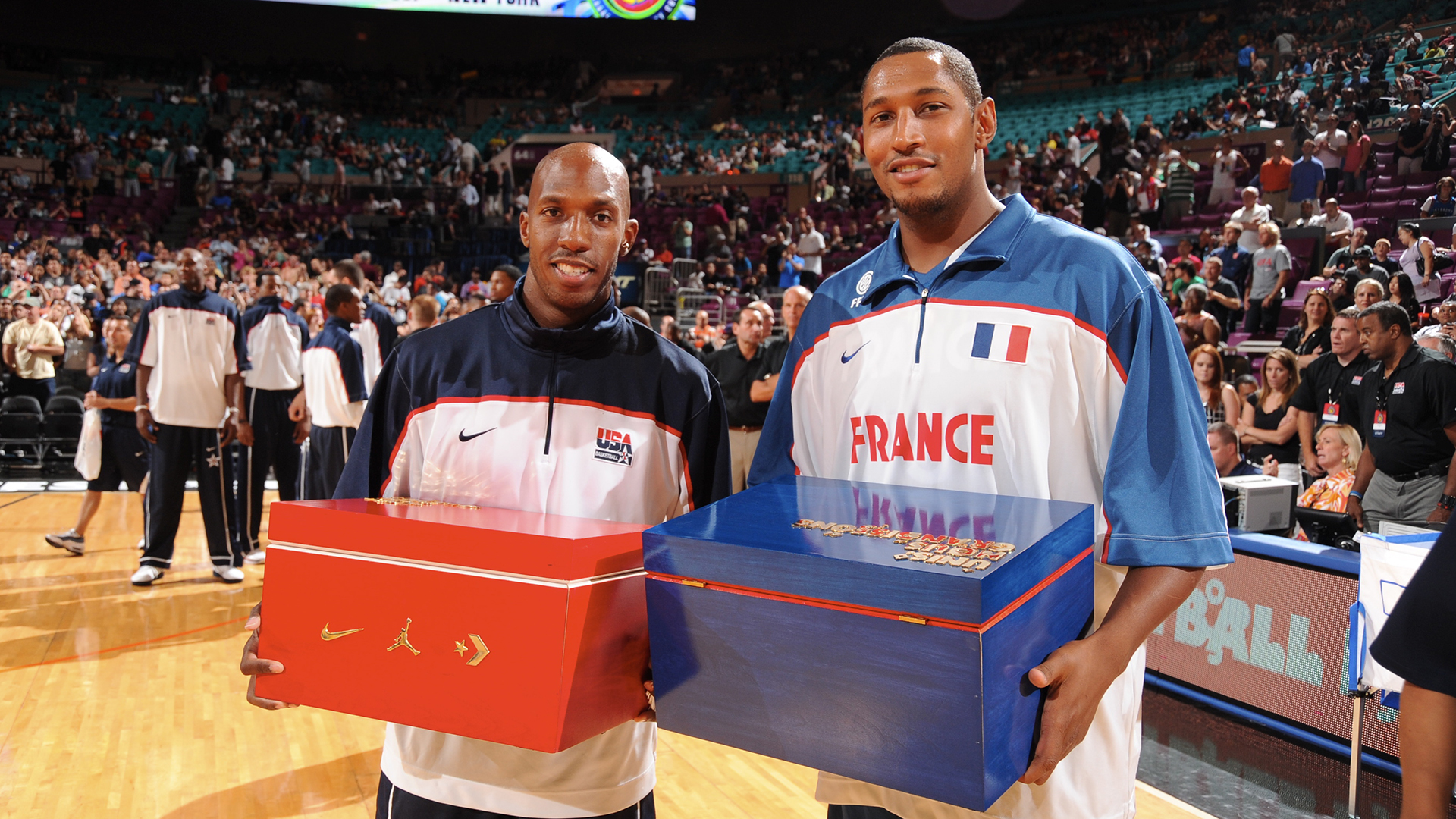 Chauncey Billups and a French basketball player