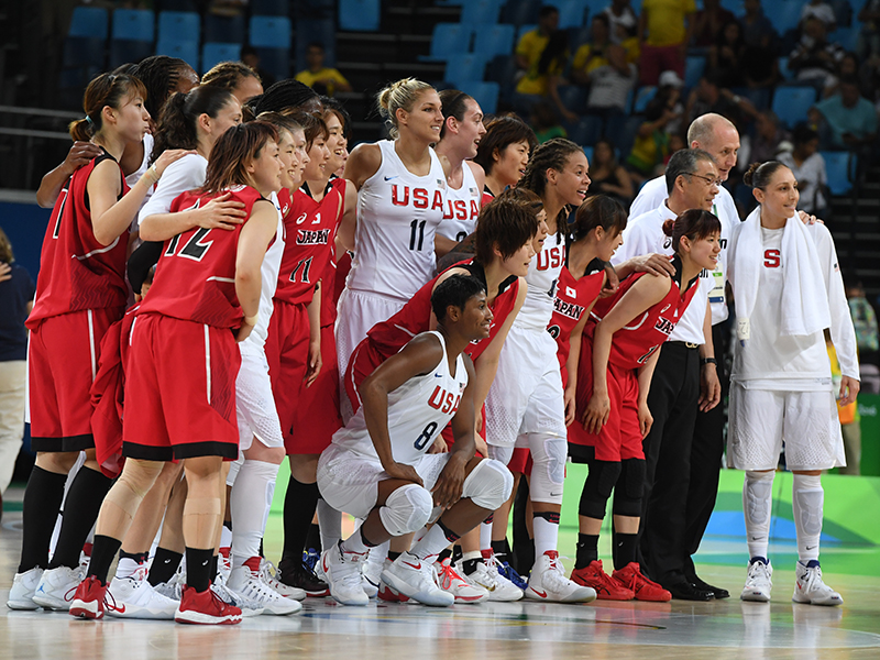 The USA and Japan teams got together for a picture after the game.