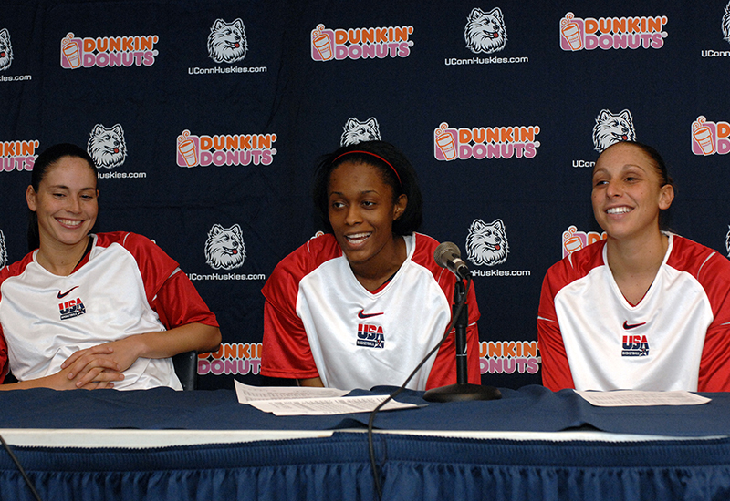 12 2007 wnt exh v uconn bird cash taurasi GettyImages 77664142jpg