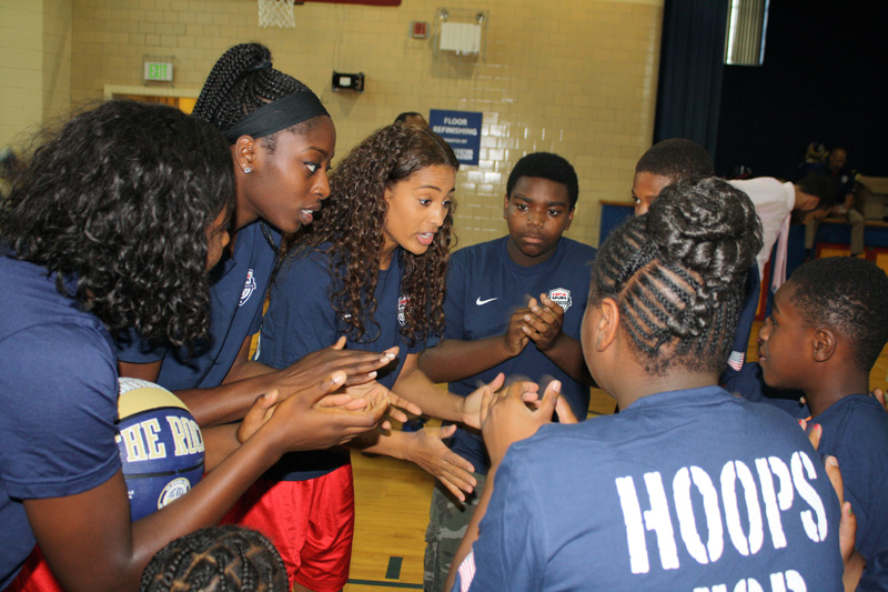 Chiney Ogwumike and Skylar Diggins