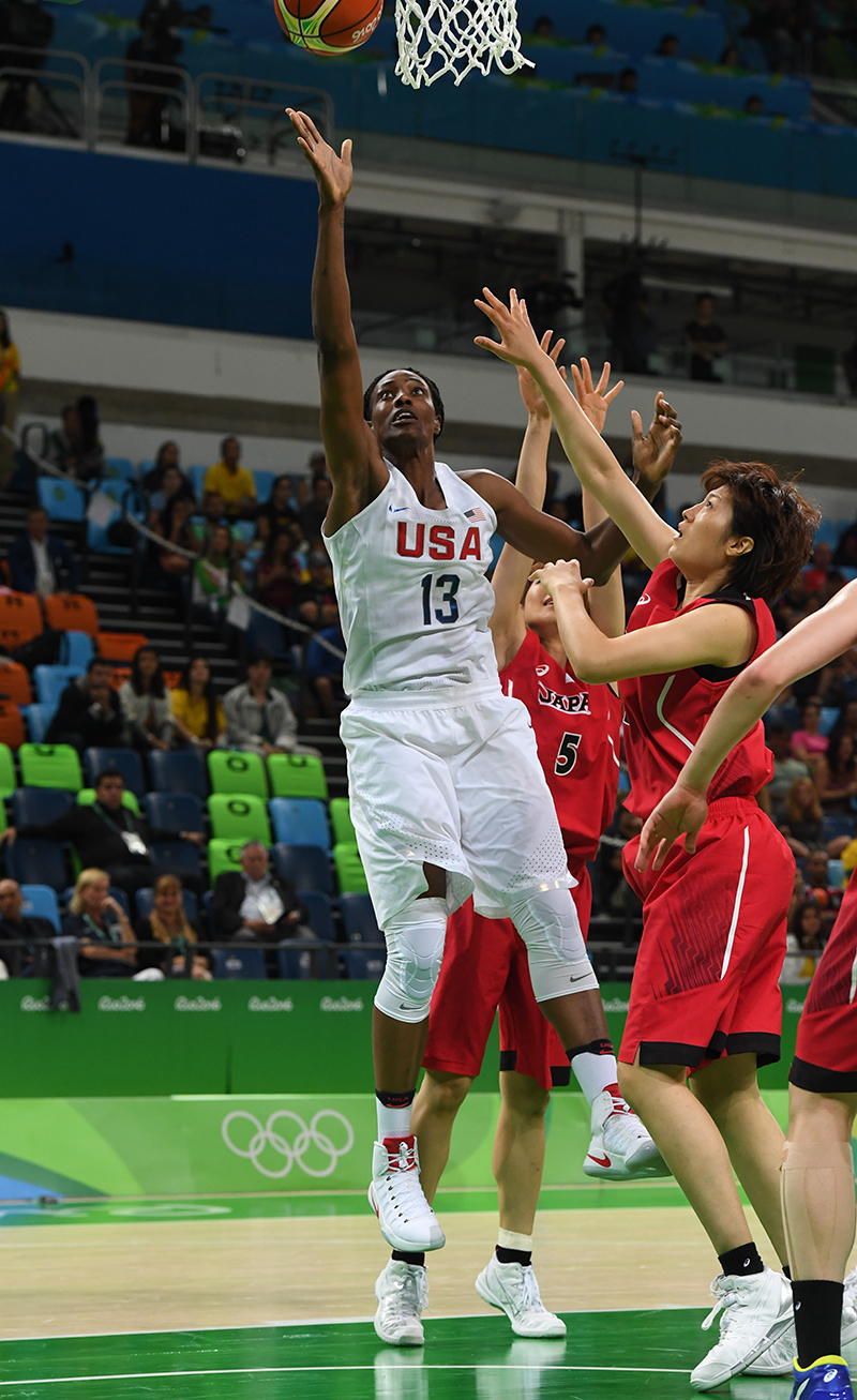 Sylvia Fowles contributed 10 points and six rebounds.
